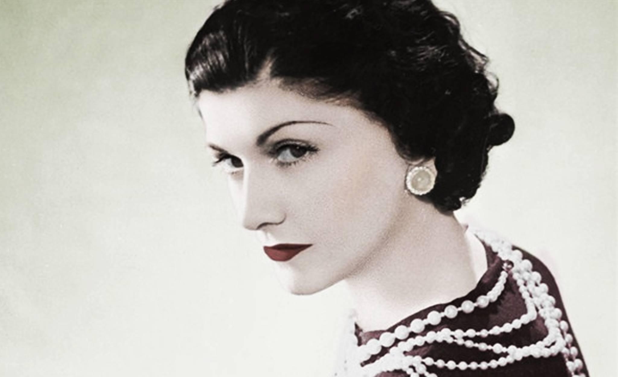 Coco Chanel, biografii si fascinatia misterului Image