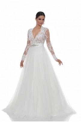 Sfaturi pentru o rochie de mireasa plus size Image